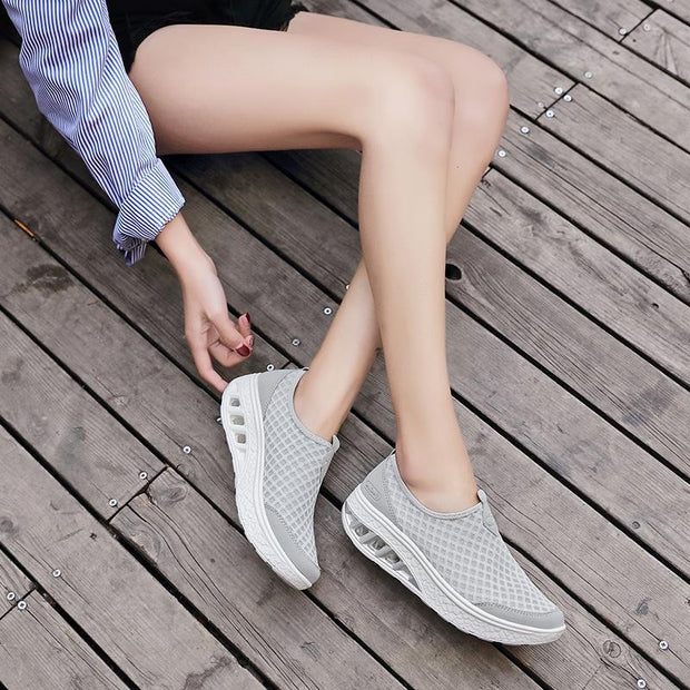 Women's Mesh Fabrics Air Cushion Casual Shoes