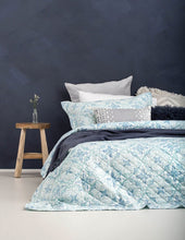 Halki Coverlet Set