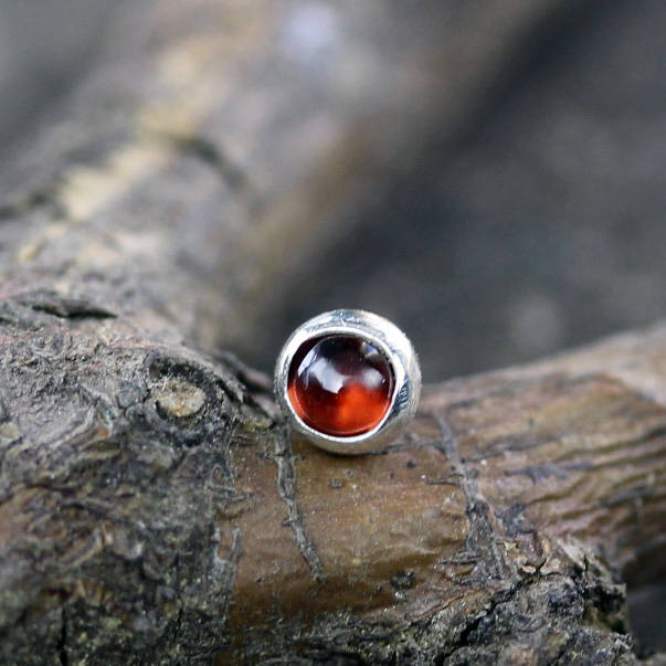 Garnet nose stud / sterling silver nose stud / silver nose stud / gemstone nose stud / gift for her / January birthstone / body jewelry