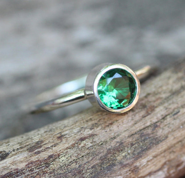 Emerald ring / emerald sterling silver ring / solitaire ring / gift for her / May birthstone ring / gemstone ring / jewelry sale