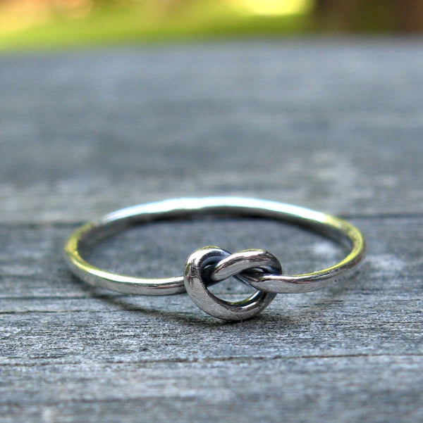 Tiny knot ring / sterling silver knot ring / love knot ring / gift for her / girls ring / tiny ring / dainty ring / friendship ring