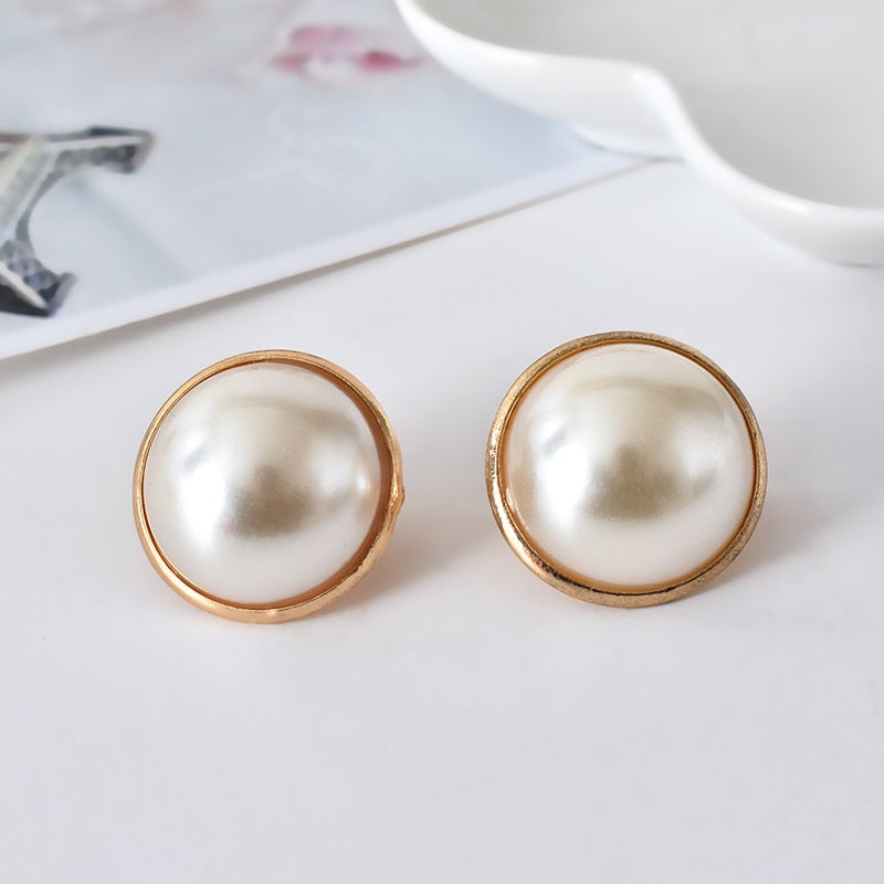 2019 New Fashion Korean Beautiful golden Plated Shiny Pearl Heart Earring Ear clip for Women Wholesale