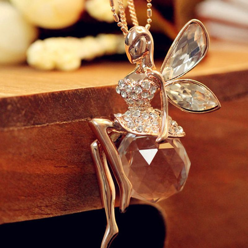 Great gem crystal spider necklace exaggerated retro female Crystal necklace cute Korean fashion Angel Wings . long sweater chain