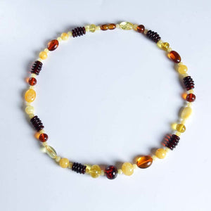 Natural luxury beeswax necklace for women beautiful color fidelity natural amber