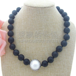 N042407 18''Round Black Stone CZ Pendant Necklace