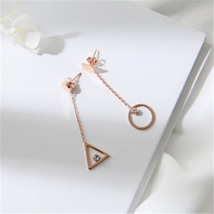 2018 New Fashion Asymmetrical Triangle Crystal Stud Earring Rose Gold Color Woman Gift Titanium Steel Jewelry Not Fade