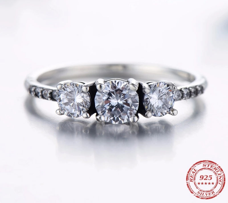 3 Stone Sparkling Ring