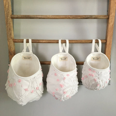 Vintage White with Pink Pops Hanging Pod