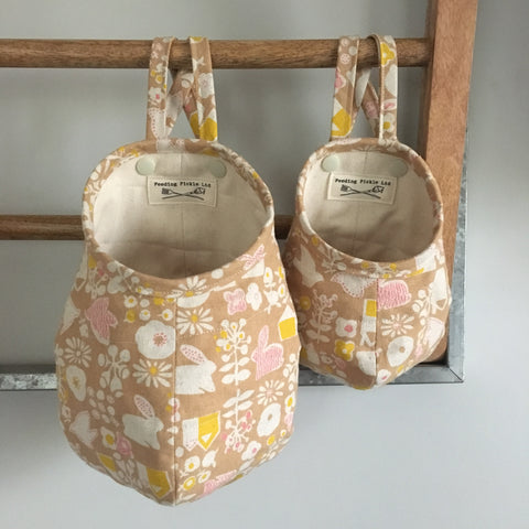 Bunny Pattern Hanging Storage Pods