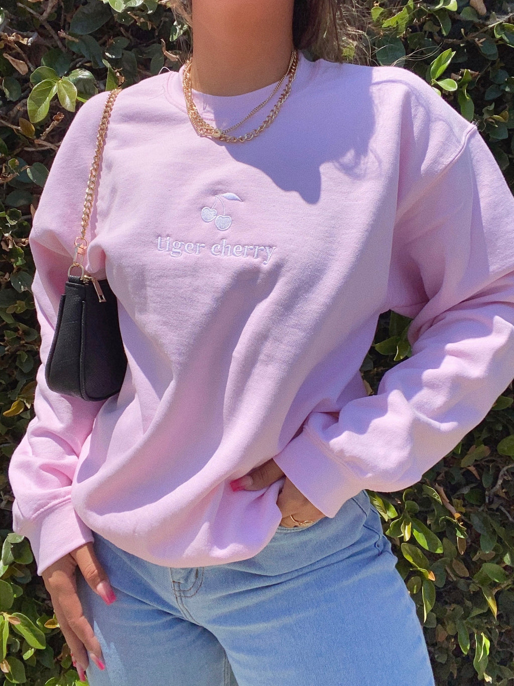 official cherry babe crew neck (PALE PINK)