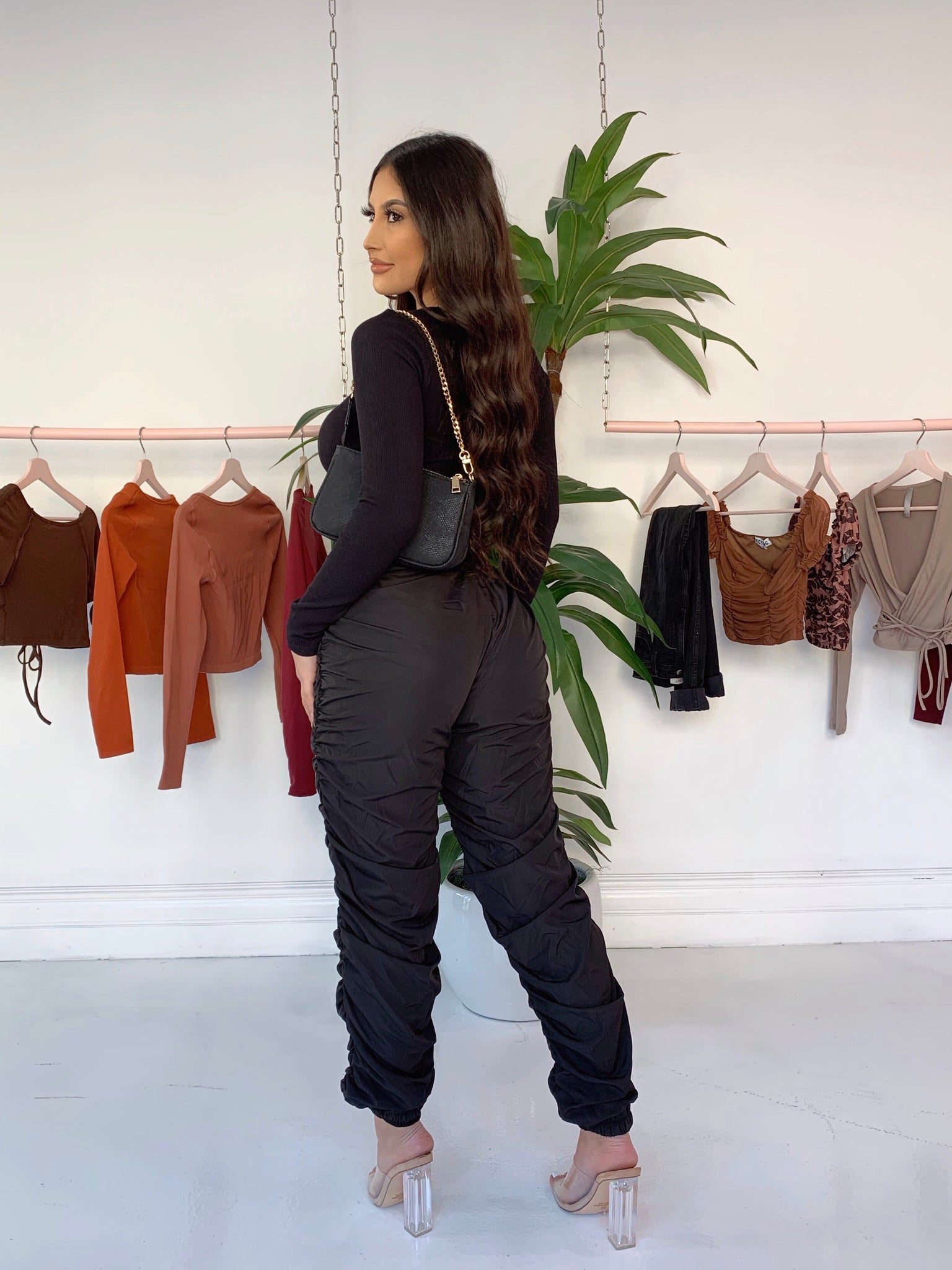 sorella jogger pants (BLACK)