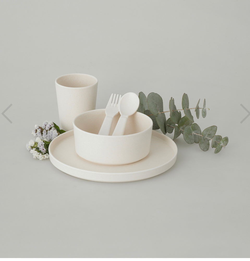 AMELIA FRANK Children's Bamboo Dinnerware 5 Piece | Coastal Foam