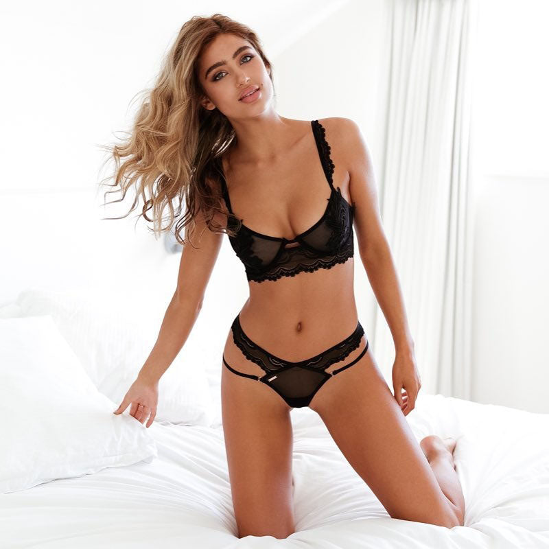 Black lace strappy bra set