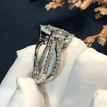 Load image into Gallery viewer, Distinctive Six Prong Zircon Ring