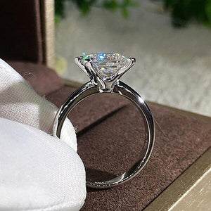 4 Claw Square Stone Ring