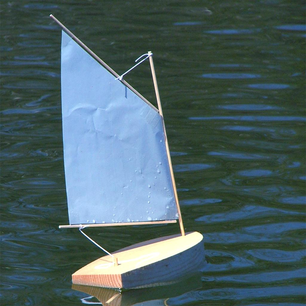 "Pinewood Sailer ""Gaffer"" Kit"