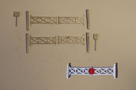 B122 (3) Double track level crossing - N GAUGE -