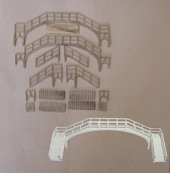B24 (4) NE cast Iron footbridge (2 track) - N GAUGE -