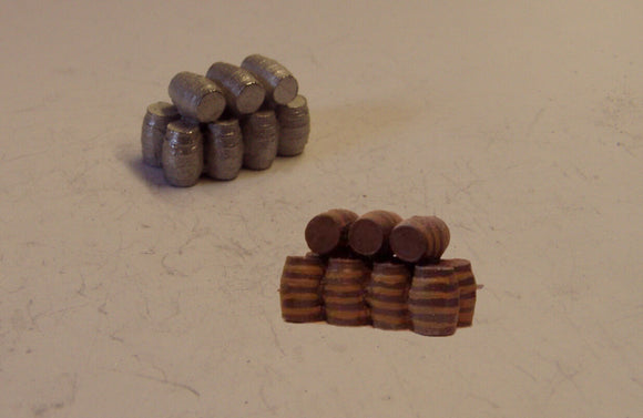 B489 (1) Stack of large barrels - N GAUGE -