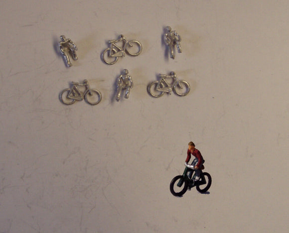 B67 (1) Men riding bikes (3) - N GAUGE -