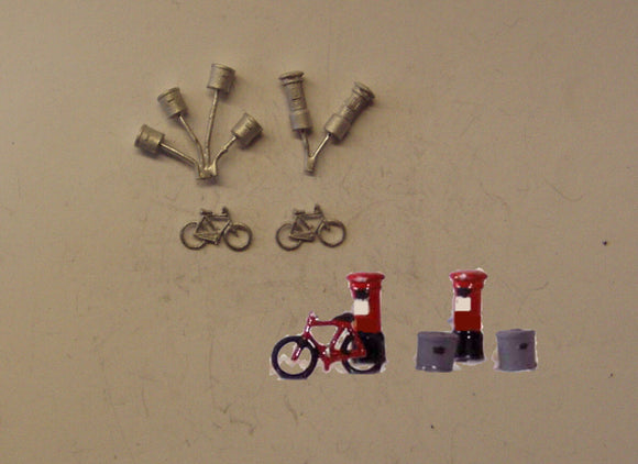 C22 (1) Bikes, dustbins , postboxes - N GAUGE -