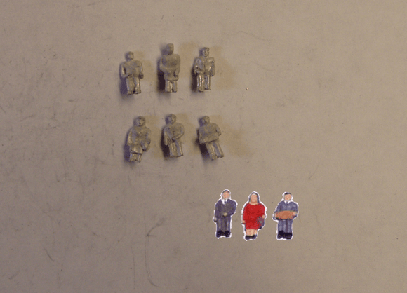 C27 (1) Seated figures (6) - N GAUGE -