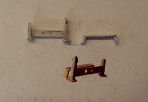 C90 (1) Stocks & whipping post - N GAUGE -