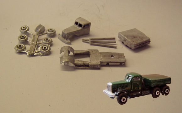 E11 (3) Diamond T 6 wheel tractor unit (intro 1940) - N GAUGE -