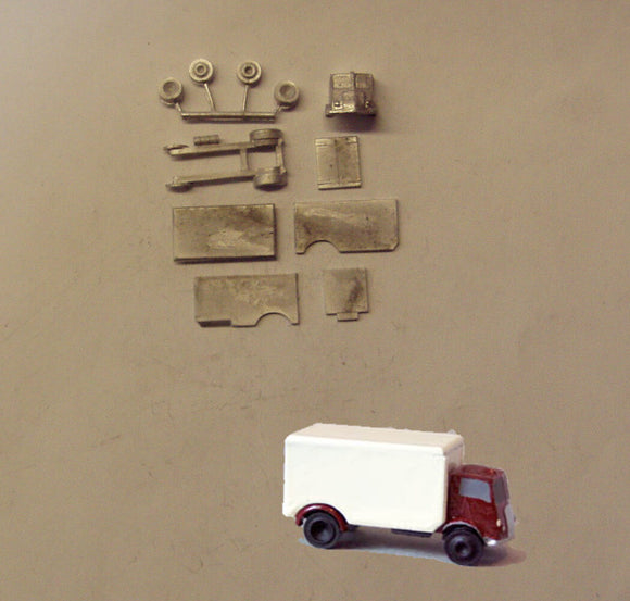 E82 (3) Morris Box van (intro 1948) - N GAUGE -