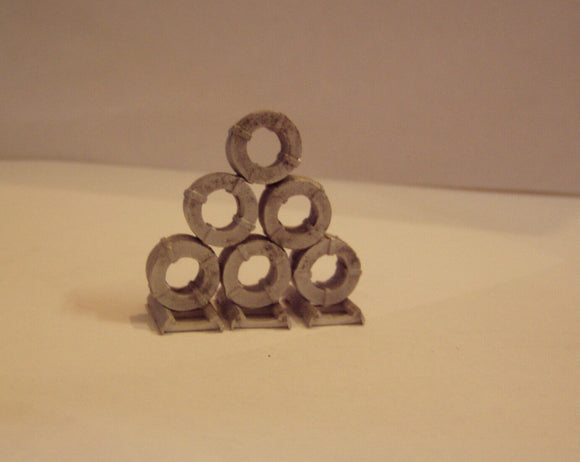 M57 (2) Steel coils small (6) plus dunnage  - N GAUGE -