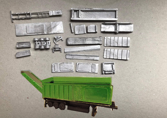 M77 (3) Log shredder / chipper on semi trailer - N GAUGE -