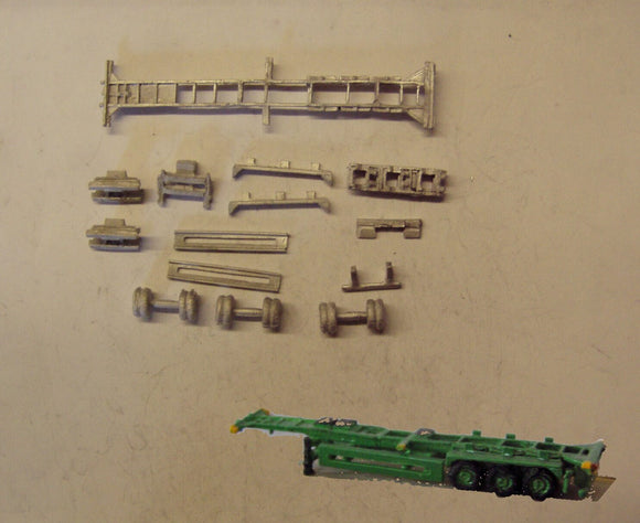 MV241 (3) 40ft skeletal trailer - triple pack - N GAUGE -
