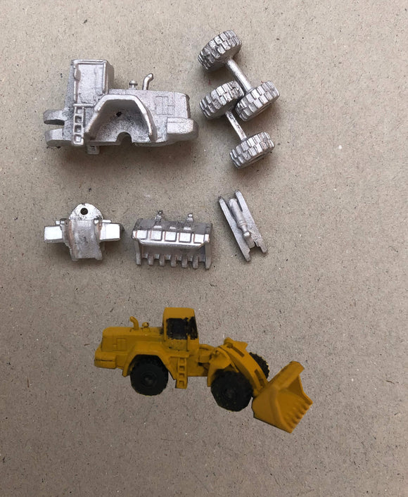 MV410 (3) Wheeled front bucket loader - N GAUGE -