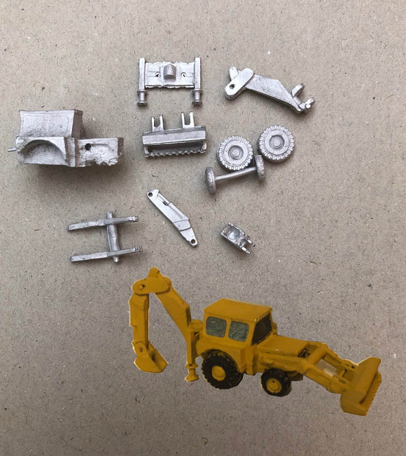 MV415 (4) Backhoe loader - N GAUGE -