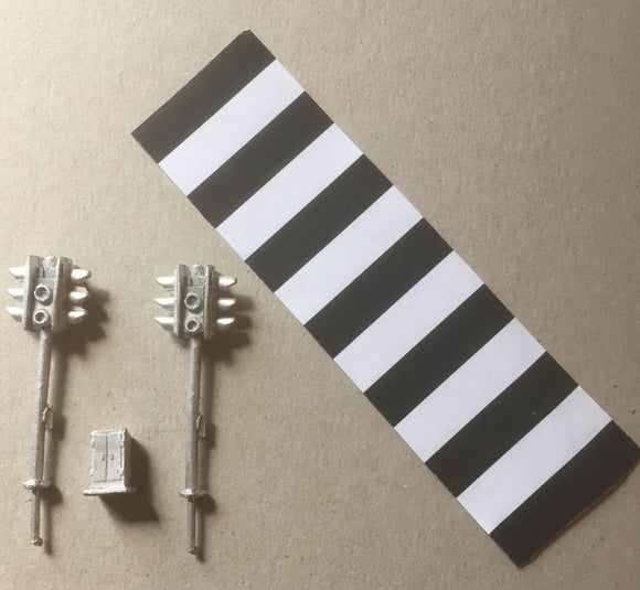 PW166 (1) Pedestrian crossing lights (2) with zebra crossing + control box - OO GAUGE -