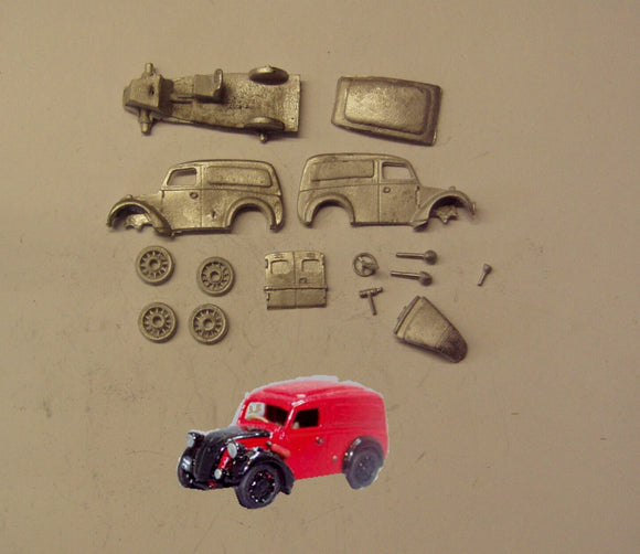 PW42 (4) Royal Mail Morris Z Van (Intro 1940) - OO GAUGE -