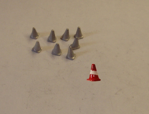 PW57 (1) Medium road cones (8 @ 7mm) - OO GAUGE -