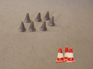 PW58 (1) Large Road Cones (8 @ 10mm) - OO GAUGE -