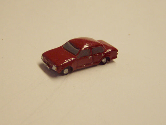 X16 Ford Orion 4 door saloon (intro 1983) - N GAUGE -