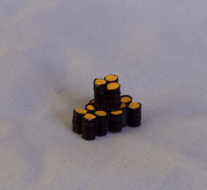 X42 Stack of oil drums - N GAUGE -