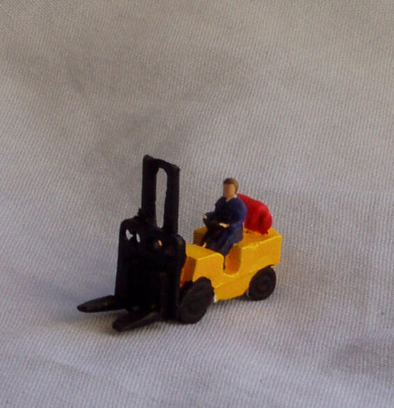 X68 Gas powered fork lift - N GAUGE -