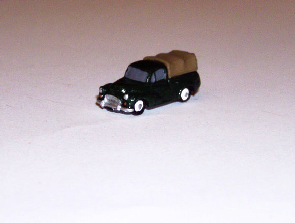 X74 Morris Minor Pickup with canvas cover (intro. 1956) - N GAUGE -
