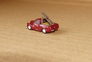 X74b Morris Minor Pickup with builders load (intro 1956) - N GAUGE -