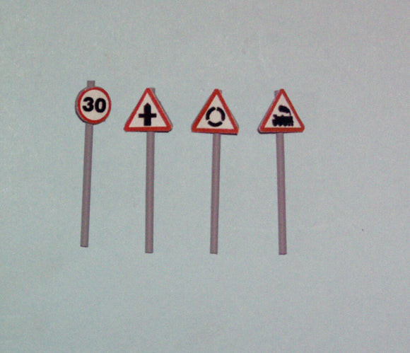 Z20 Road Signs (4 with different signs) - OO GAUGE -