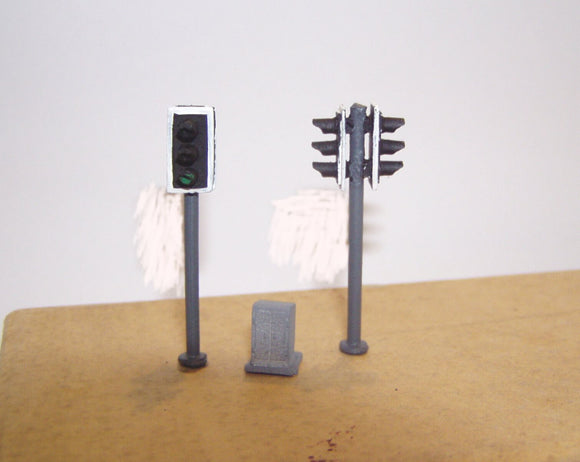 Z46 Modern traffic light (2) Double head (1973 on) + control box - OO GAUGE -