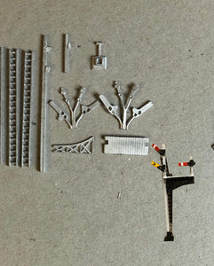 B334 (4) LNER wood post junction signal - N GAUGE -
