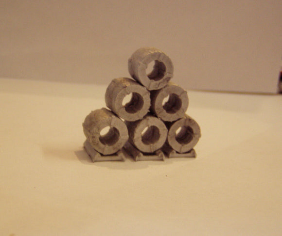 M59 (2) Steel coils large (6) plus dunnage - N GAUGE -