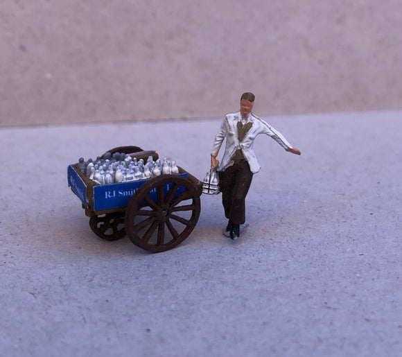 Z53 Milkman and milk cart  - OO GAUGE -