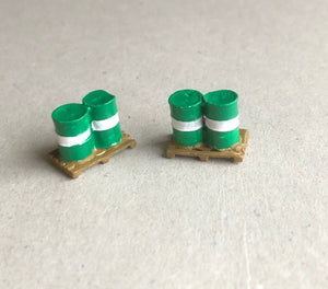 Z55 Oil drums on pallet (2) - OO GAUGE -