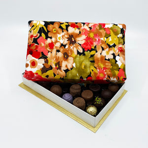 24 Piece Neutral Floral Silk Box
